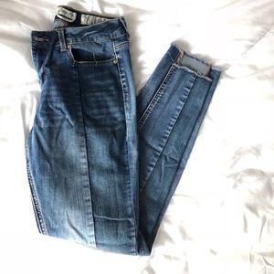 🤩  NWOT unique & trendy jeans 🤩